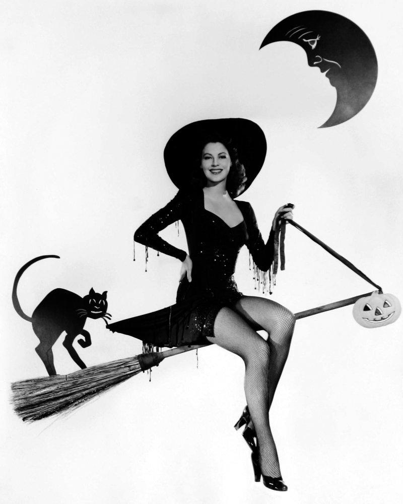happy halloween from salem ma roxie mcmoxie Salem Florida to